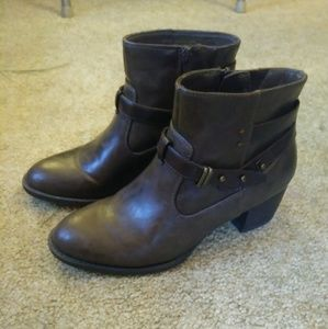 Ankle boots for Evelyn (do not purchase)